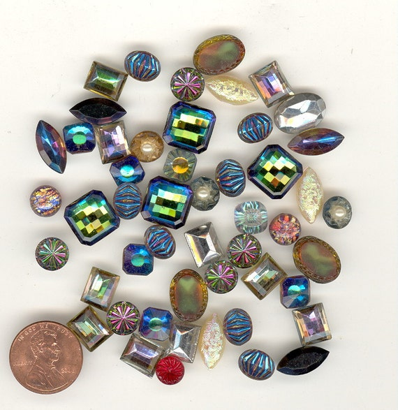 Half Ounce STUNNING Mixed Vintage Glass High End Stones And Cabochons Picture Is Half Ounce.