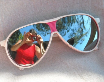 1970s Two Tone Plastic Laminate Aviator Sunglasses Pink and White Mirrored Lens Taiwan R.O.C.