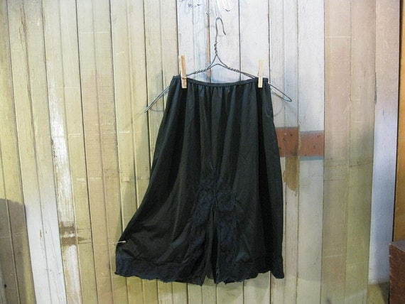 Nylon vintage Panties Sheer Black lace long pettipants 60s slip S M