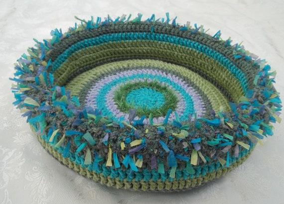 Chika's Hand Crocheted Cat Bed (no.1230)