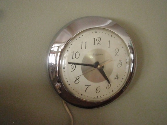 Mad Men Chrome Wall Clock - Vintage Sessions Electric