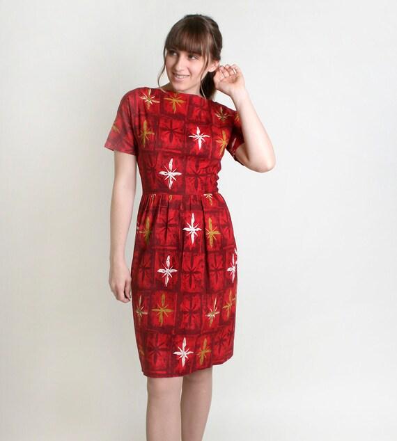 1950s Wiggle Dress - Tropical Hawaiian Tiki Girl in Fire Red Atomic Star Burst - Medium
