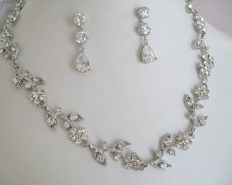 Bridal Jewelry - Wedding Party - Bride Necklace - Bridesmaid Necklace - Rhinestone and Pearl Floral Bridal Jewely Set