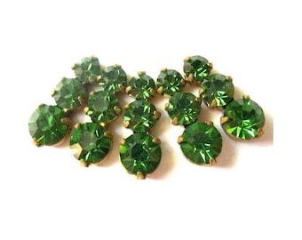 5 Swarovski vintage jewelry findings 3 rhinestone crystals in brass setting, dark green