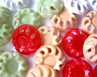 24 Antique vintage plastic buttons, 4 colors, 18mm