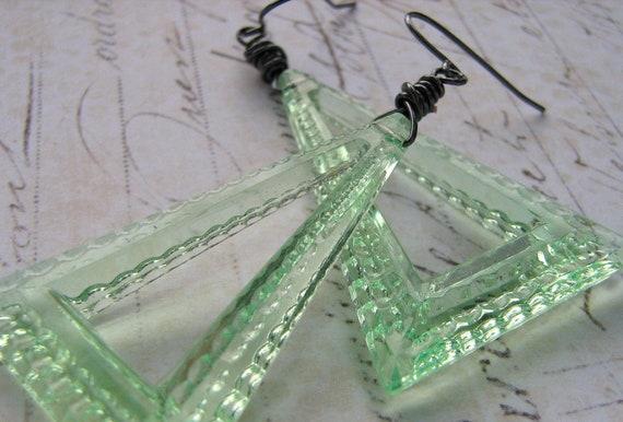 Mint Green Triangle Lucite Earrings, Vintage Earrings, Wire Wrapped Earrings, Green Fashion Earrings, Geometric Earrings, Retro Earrings