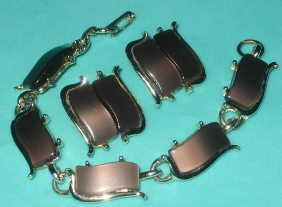 Vintage MOD Chocolate Brown Thermoset Plastic Lucite Segment Bracelet and Earrings