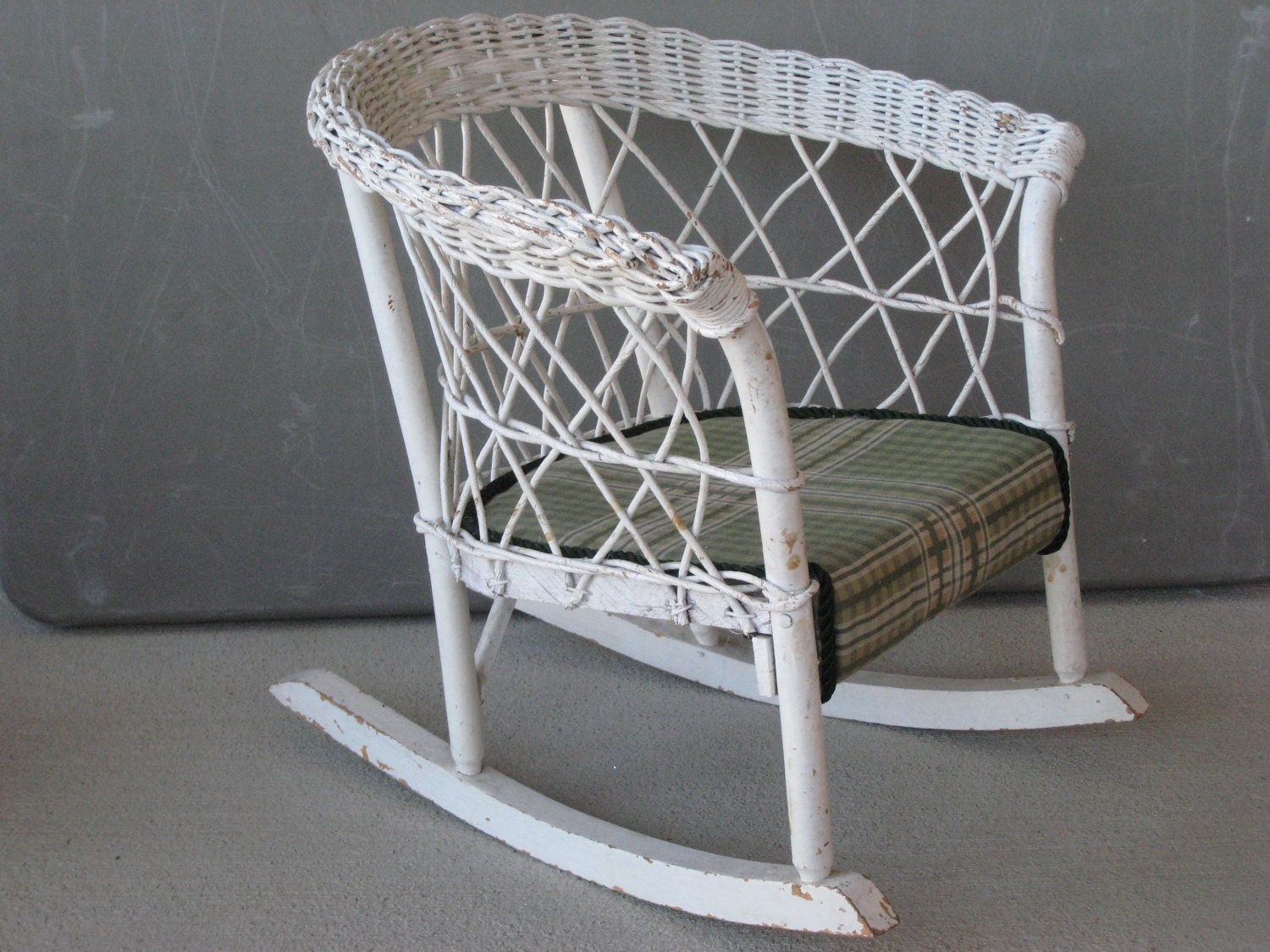 antique wicker rocker rocking chair child size 0218 w. Black Bedroom Furniture Sets. Home Design Ideas