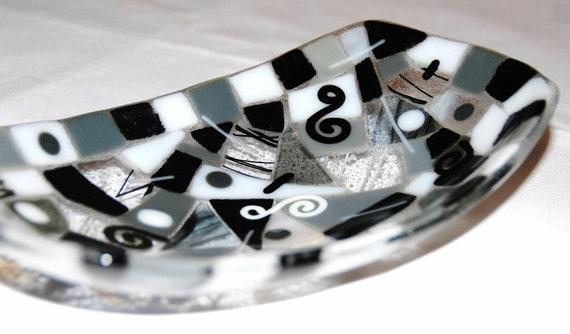 "Mosaic Swirls Fused Glass Bowl, Black, White, and Gray, 8.5"" x 5"", Food Safe"