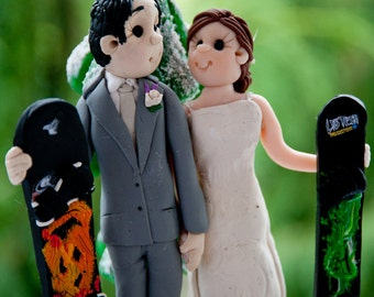 Custom wedding cake topper, Bride and groom cake topper, personalized cake topper, Mr and Mrs cake topper, custom cake topper, snowboarders