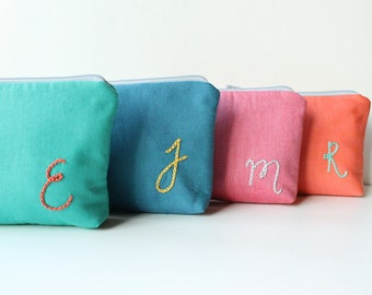 Personalized Cosmetic Bag, Set of Monogrammed Bridal Party Gifts, Monogram Clutch, CHOOSE COLORS and Quantity