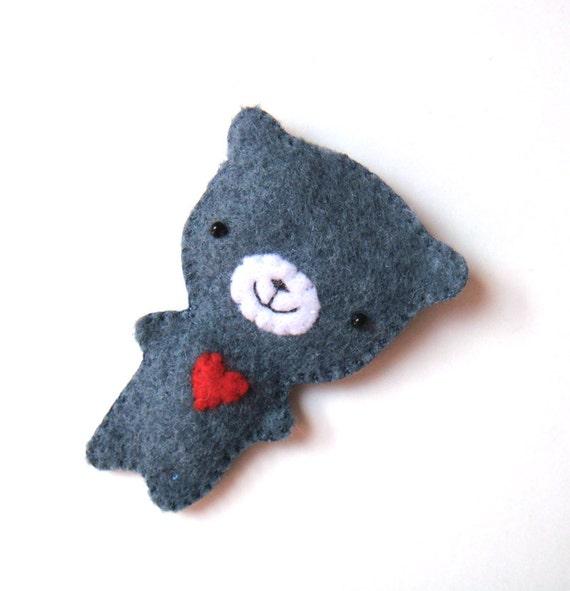 Animal Felt Brooch Dark Blue Grey Teddy Bear Red Heart Cute Woodland Fashion Accessory