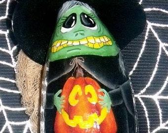 Hand painted Witch & Pumpkin Halloween Gourd Ornament-Primitive-Folk Art-Halloween Decor-Home Decor-Tole Painted-Decorative Painting-