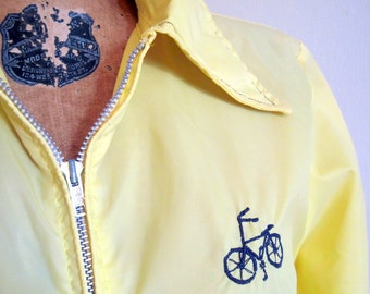 I like to ride my Bicycle - 1970s BRIGHT Yellow & Navy Blue WINDBREAKER - lightweight Jacket - vintage size Medium