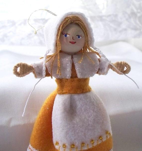 Thanksgiving Decoration - Felt Art Doll Hanging Ornament - Pilgrim Girl Piksee