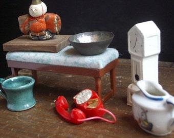 Set of Dollhouse Miniatures (set of 7))