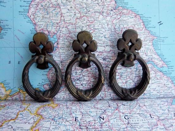 3 vintage metal curvy open pull handles includes hardware