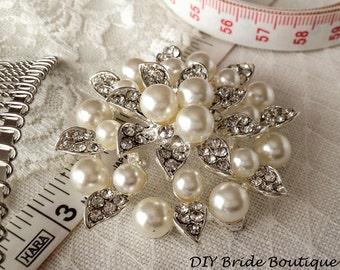 Rhinestone Brooch,  Pearl brooch, rhinestone and pearl brooch, crystal and pearl brooch