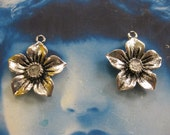 Antique Silver Ox Plate Flower  Charms 2152SIL x4
