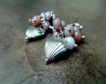 ON SALE- Bruised Heart, Western Cowgirl Southwestern Boho Shabby Chic Agate Cluster Heart Dangle Earrings