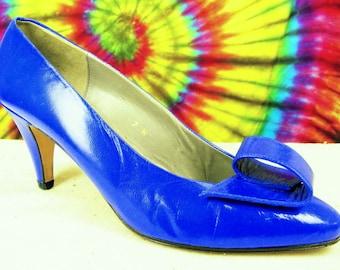6.5-7 vintage 80's electric blue leather Liz Claiborne heels pumps shoes