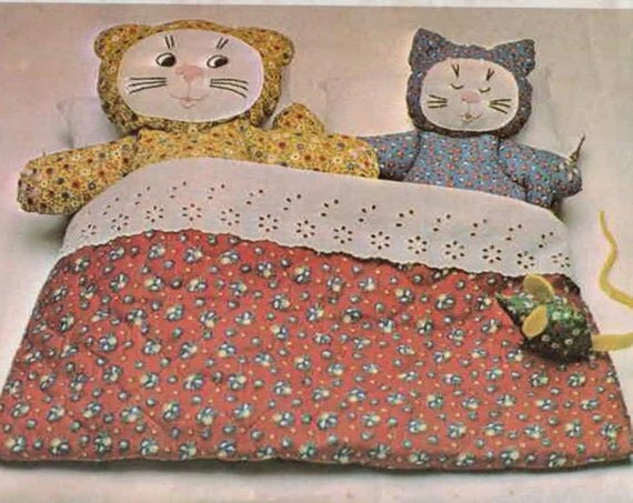 1970s Vintage Sewing Pattern McCalls 5292 Mother and Baby Cat Mouse Bed UNCUT 1976