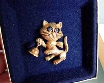 Avon Frisky Kitty Pin