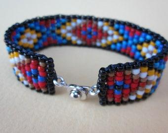 friendship square stitch bracelet - native american pattern