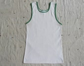 vintage c. 1970s ribbed tank with green trim m