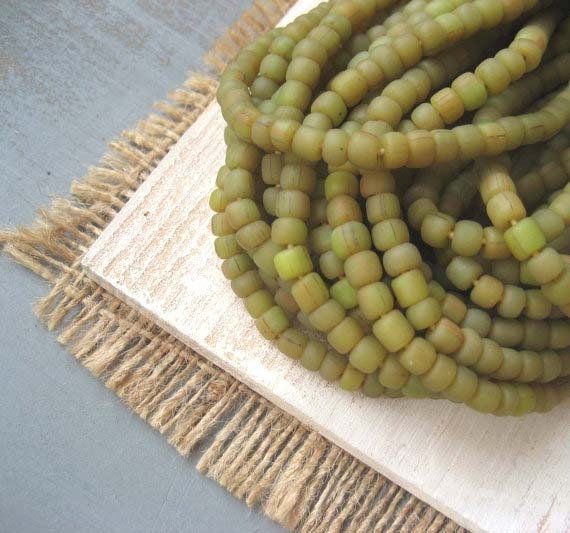 small rustic olive green  glass Beads Modern Indo-pacific  - 3 to 5  mm  - 22 inches strand  -  2Bbgl54