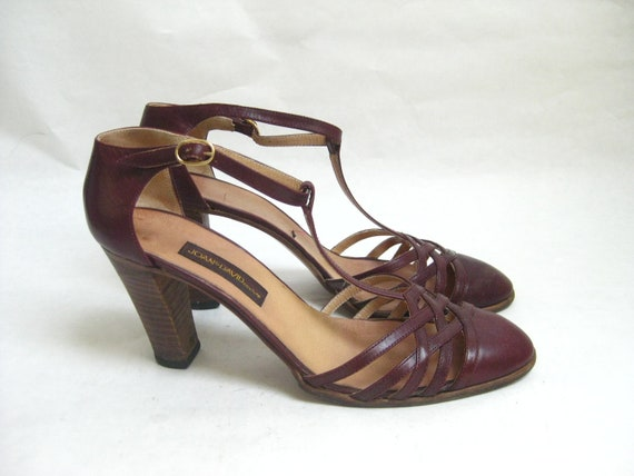 Vintage 80s Joan and David  Burgundy T Stap Heels. Size 9