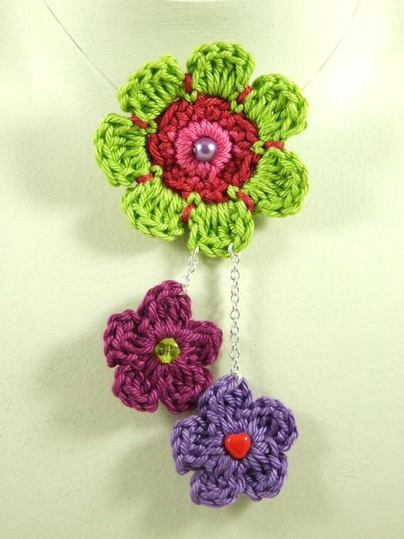 BROOCH/PIN - Festival Large Floral Crochet Multi-Pendant