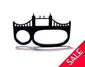 london england tower bridge three finger brass knuckles acrylic ring
