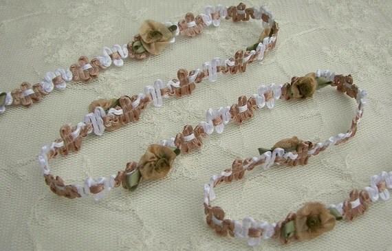 Tan White Woven Rococo Ribbon Rose Bud Flower Trim Christening Bridal Gift Card Making Scrapbook Quilt