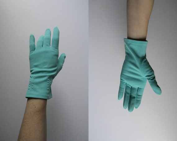 Vintage Gloves . Robins Egg . Seafoam Teal . Driving Gloves . Mid Century . High Fashion . Embroidered