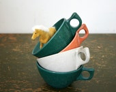vintage 50s Eames Era 4 Mismatched Tea Cups Branchell Melmac in Gray, Hunter Green and Terra Cotta