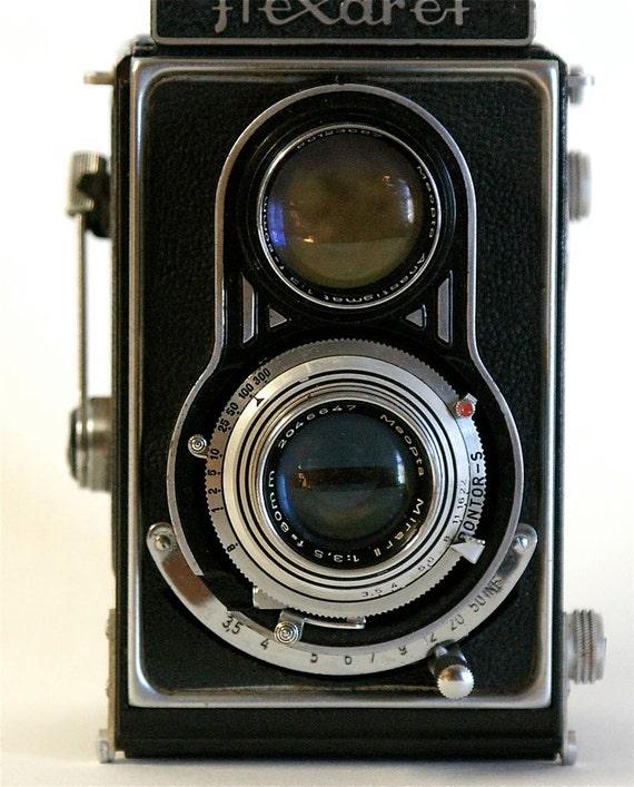 SALE  Meopta Flexerete Twin lens reflex 120 film camera with Leather Case- 1950