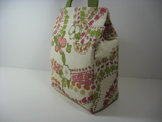 Insulated Lunch Bag - Apple Blossoms