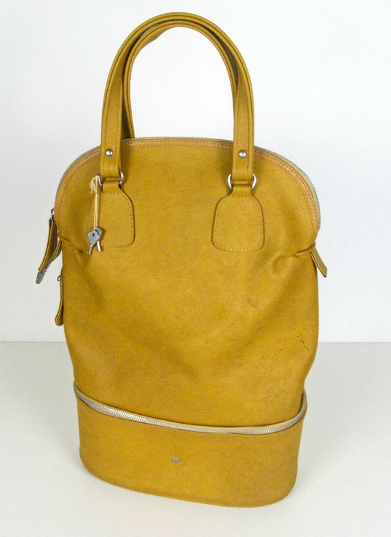 vintage mustard yellow oval carry on bag with keys - Reliable Luggage Japan - 1960s
