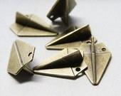 6pcs Antique Brass Tone Base Metal Charms - Paper airplane 31x21mm (15524Y-B-392B)