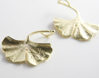 2pcs Matte 16K Gold Plated Base Metal Charms-Ginkgo 34x30mm-Left Side (68C-S-35)