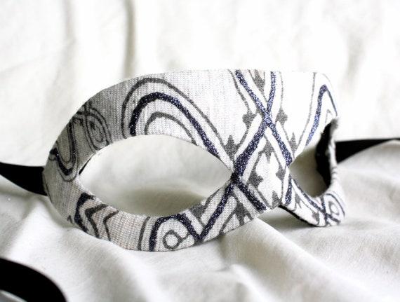 Boadicea - Unisex Masquerade Mask in Grey Celtic Knot Pattern - Papier-Mache