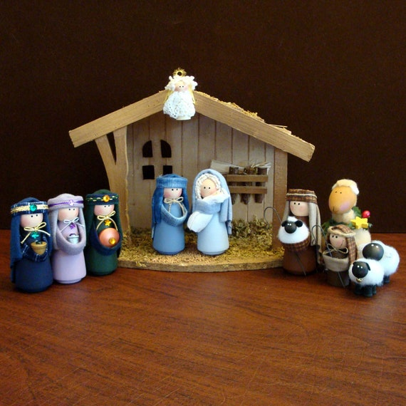 Nativity Set - 11 Pieces Including Stable