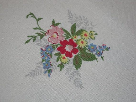 Vintage Tablecloth Sweet Rose Garden Posies