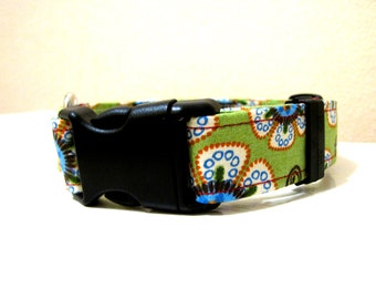 SALE - Vintage Inspired Crazy Daisy Flower Power Dog Collar - Size S/M