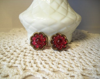 Vintage Earrings Purple Flower Screwback Earrings Berry Bead Earrings