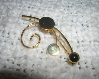 onyx and gold filled pin