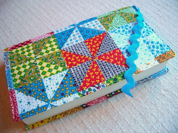 CLEARANCE - Large Fabric Paperback Book Cover made with Vintage Fabric and Ric Rac Bookmark - Handmade by Me