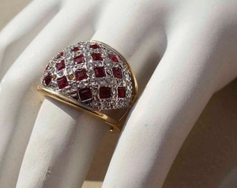 Ruby gold cocktail ring Vintage size 5