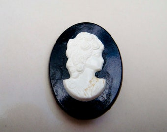 Vintage Lucite Cameo Brooch Pin Black and White